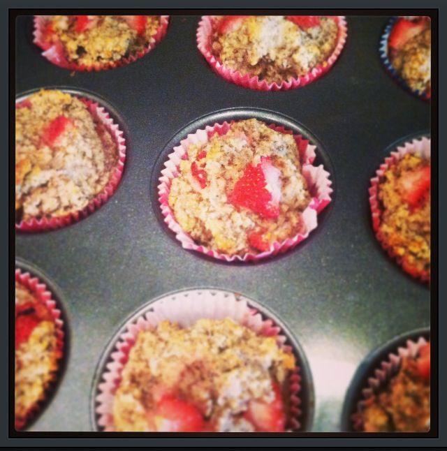 Oatmeal Strawberry Muffins | FOOD - Muffins | Pinterest