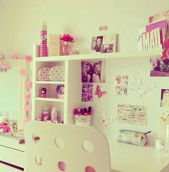 Girly girl room super cute desk area dream home pinterest for Cute girly rooms