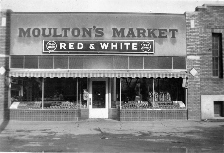 Moulton's Market (1943) This picture shows Moulton's Market on Center...
