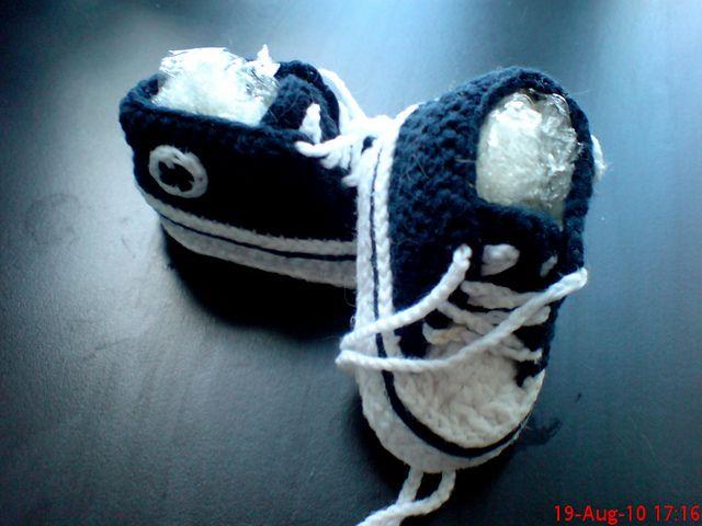 Crochet Baby Converse Shoes Pattern : Pin by Nessie Dean on crochet Pinterest