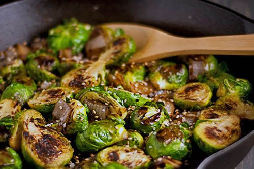 Clean Eating - Caramelized Tofu with Brussels Sprouts