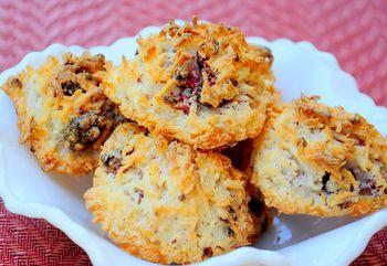 Raspberry Coconut Macaroons | del to the ish | Pinterest