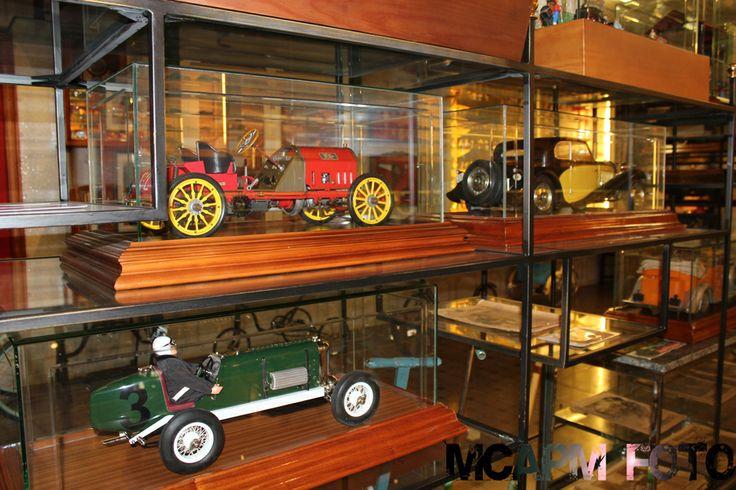 coches clasicos en miniatura: