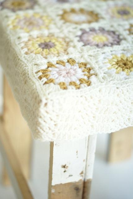 Crochet cover for stool