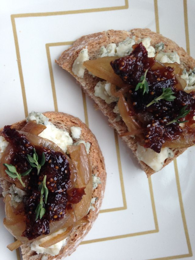 Crostini with Gorgonzola, Caramelized Onions and Fig Jam (I'd change ...