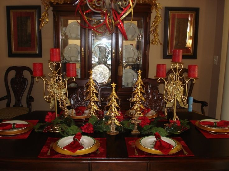 Pin by haylee mcwilliams on christmas pinterest for Holiday dining room decorating ideas
