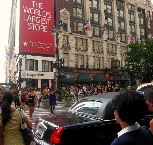 macy's herald square memorial day hours