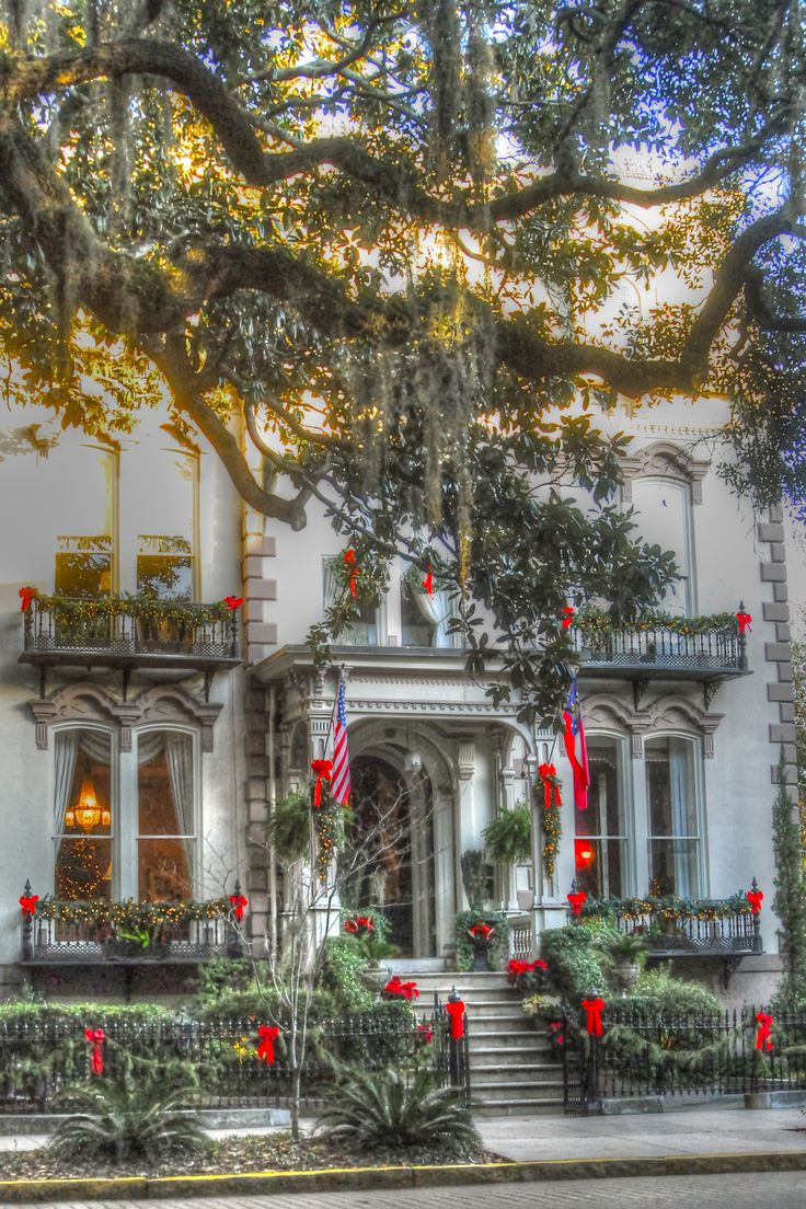 Christmas in savannah christmas pinterest - Decorated homes ...