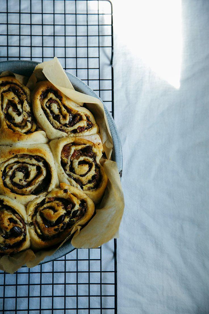 dark chocolate + fig cinnamon buns // @thefirstmess for baked-theblog ...