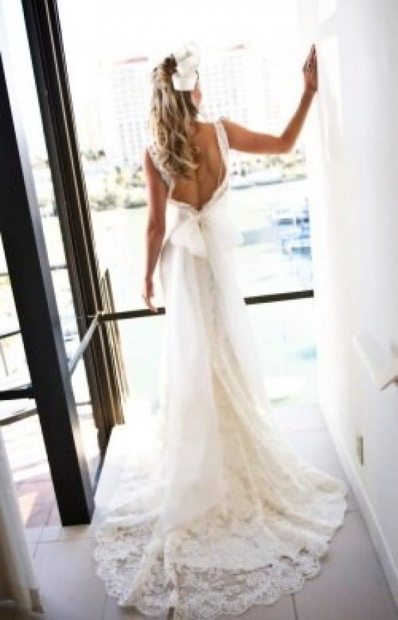 Low Back Flowy Wedding Dress : Low back lace wedding gown with straps and bow