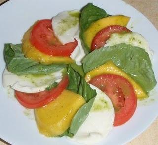 Mango Caprese Salad. | Sandwhiches, Soups and Salads | Pinterest