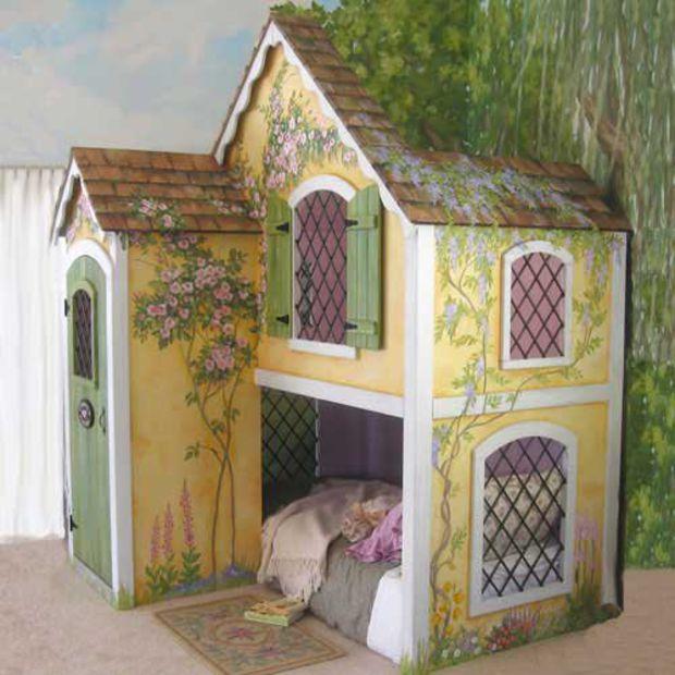 Casa cama en el bosque