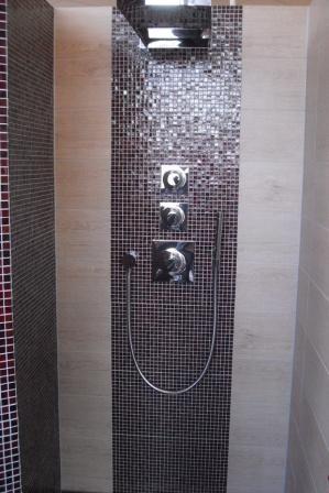 Mosaikfliesen in <b>der</b> Dusche | Badezimmer & Fliesen ...