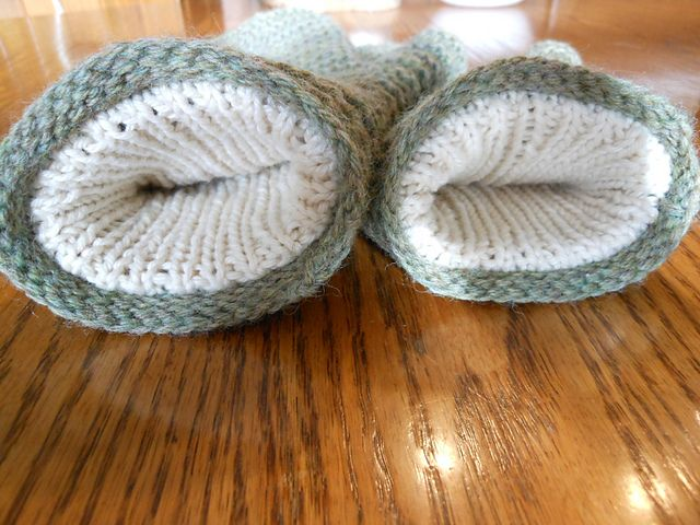 Double Lined Mittens pattern by Amanda Lilley