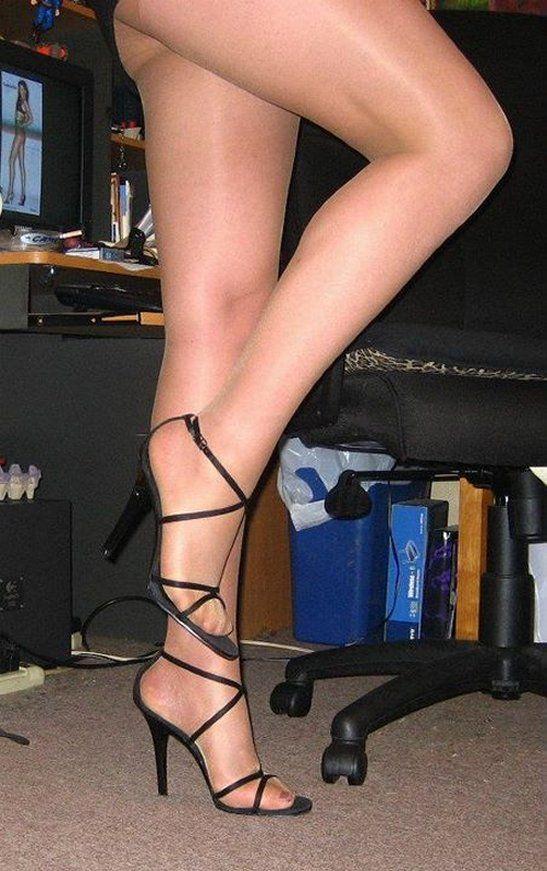 heels nylon de rasierte muschie