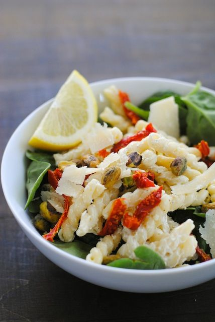 Creamy Lemon Pasta Salad with Spinach - A lightened-up workweek lunch ...