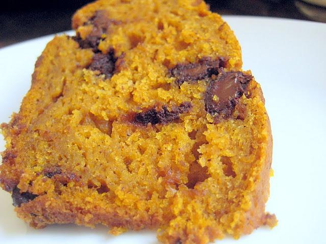 pumpkin spice chocolate chip bundt cake | S W E E T T O O T H | Pinte ...