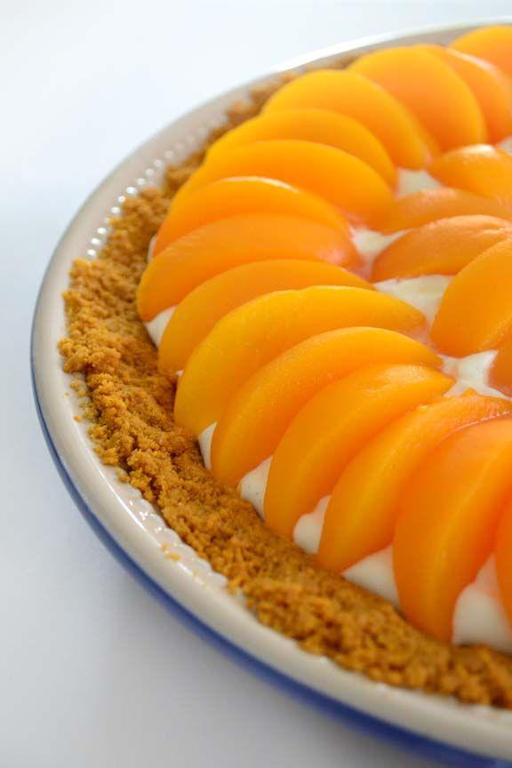 Peaches and Cream Icebox Pie Recipe | Sweet Nom Nom Nom | Pinterest