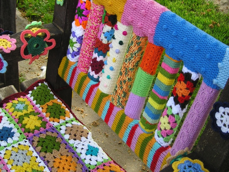 yarn bombing bench - photo #25