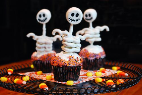 More halloween cupcake decorating ideas for Halloween cupcake decorating ideas