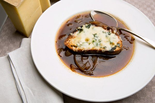 Recipe: Red onion soup with cheese toasts || Photo: Fred R. Conrad/The ...