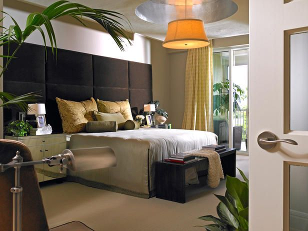 BEASLEY MODERN MASTER BEDROOM