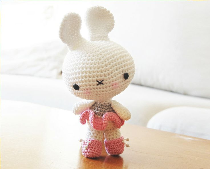 Amigurumi Spring Bunny : Amigurumi Easter Bunny Pattern
