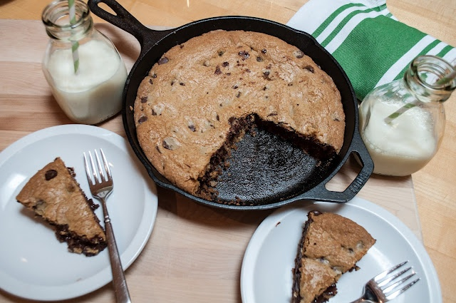 Marin Mama Cooks: skillet-baked chocolate chip cookie