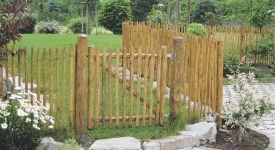 Portillon en ganivelle jardin pinterest for Portillon de jardin en bois