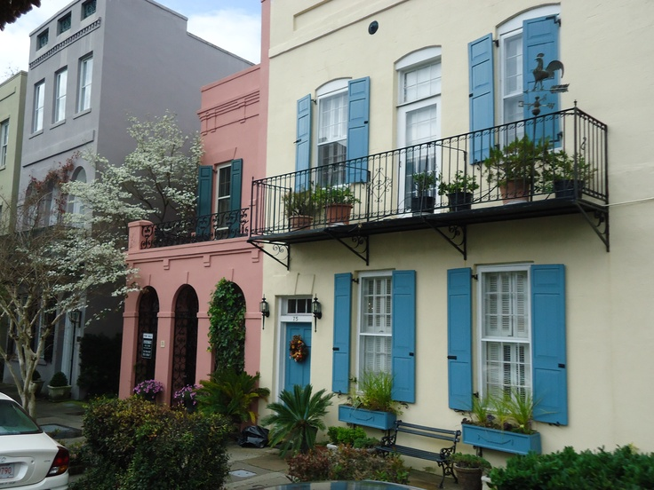 Pin by jamie alling on dream homes pinterest for Charleston row houses