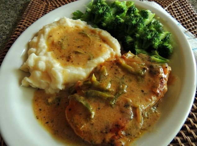jaime 39 s smothered pork chop just a pinch recipes