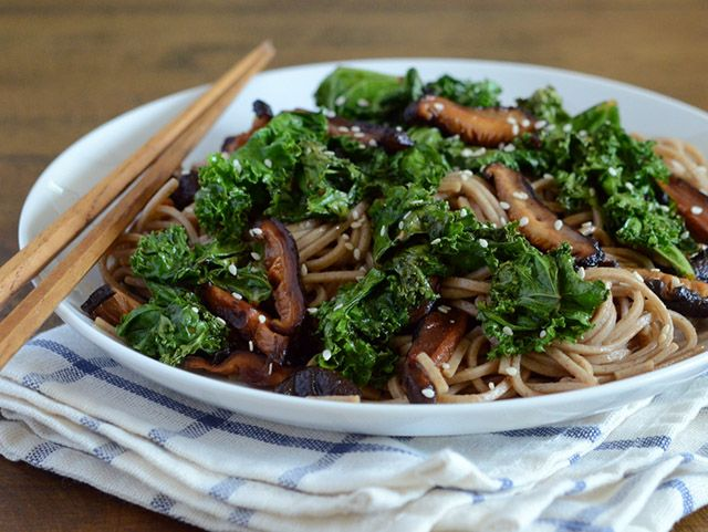 Black Garlic Soba Noodles with Kale - learn how to use black garlic in ...