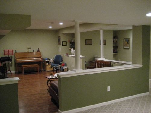 Liking the half walls basement garage remodel ideas for Half wall kitchen ideas