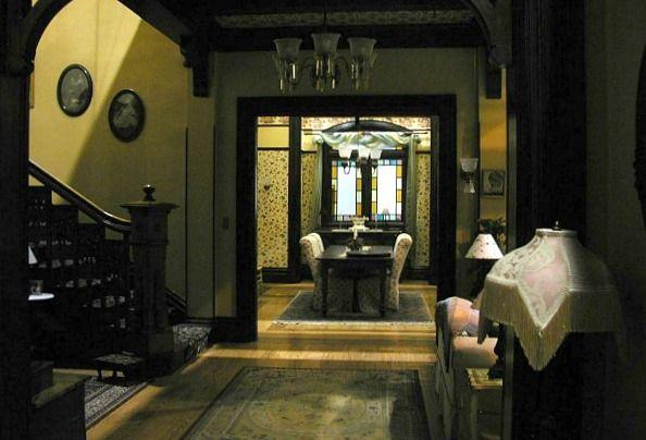 Charmed Halliwell Manor Interior Sets Casa Serie Embrujadas