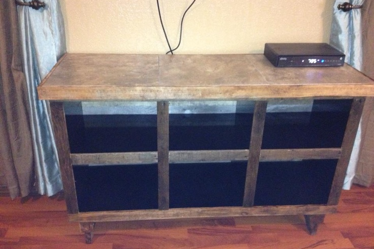 Entertainment stand pallet wood / pallet furniture