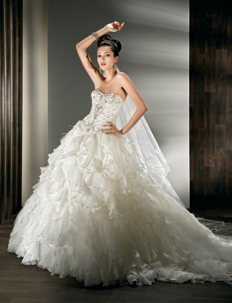 Glamorous sleeveless ball gown floor-length wedding dress