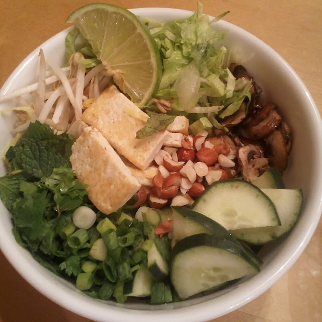 Vegetarian Vietnamese Noodle Salad Bar (Bun Chay) #vegetarian #vegan