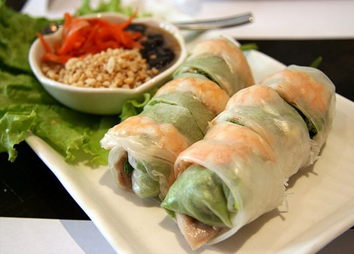 Vietnamese Spring Rolls w/ Peanut Sauce | This and That 24 | Pinterest