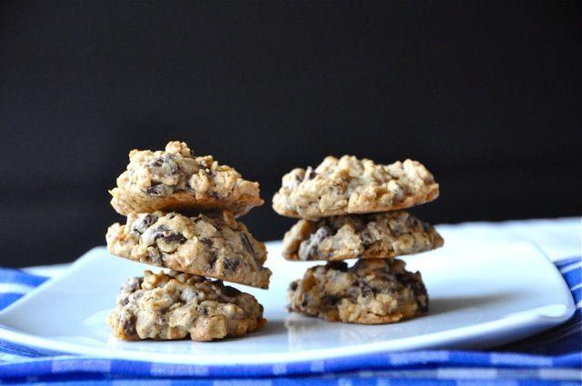 oatmeal peanut butter dark chocolate chunk cookies. #cookie #peanut ...