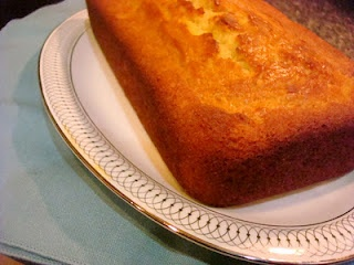 maple syrup & yogurt pound cake | F&D=FOOD&DRINKS | Pinterest