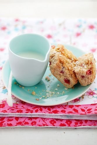 strawberry and quinoa scones | ...♥ Café da manhã e lanches ...