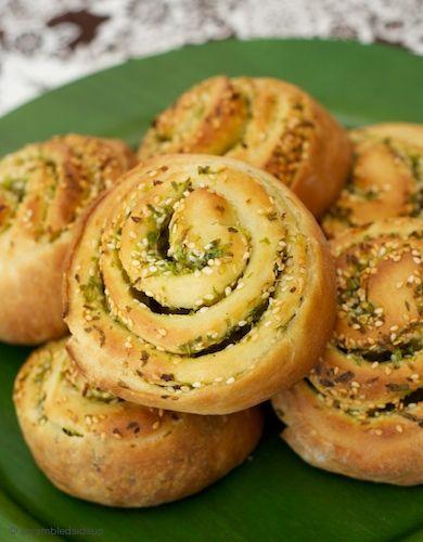 ... found via Tastespotting. Doesn't this Scallion Bread look tasty