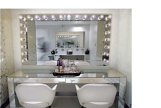 mirrored vanity and lighted mirror cool rooms pinterest