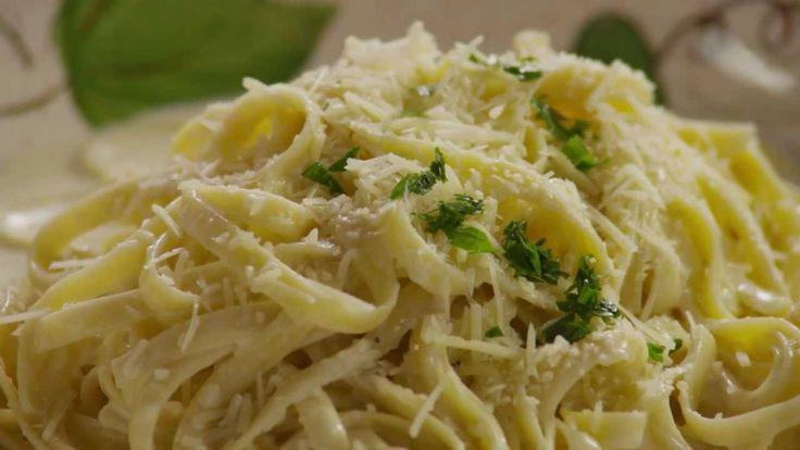 How to Make Alfredo Sauce | sauces | Pinterest