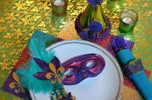 Mardi Gras Party Decor table setting Kids Pinterest