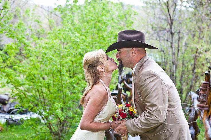 memorial weekend wedding