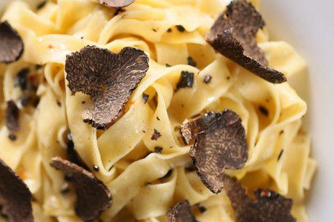 Black Truffles Over Fresh Pasta Recipe | Italian Recipes .:. Pasta ...