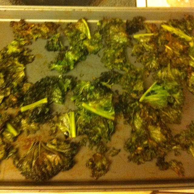 kale chips for the first time used coconut oil and ghee with sea salt ...