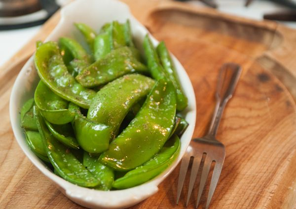 Clearly Delicious » Seared Sugar Snap Peas