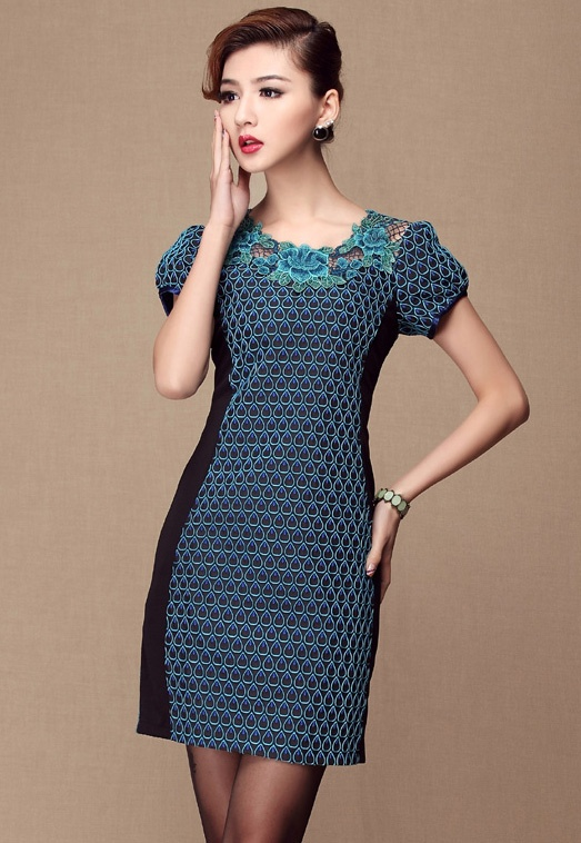 Blue Short Sleeve Applique Drop Embroidery Dress